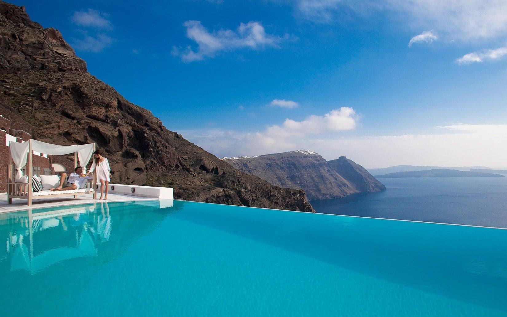 Amazing sea view and infinity pool at the San Antonio luxury 5 star Hotel in Imerovigli, Santorini